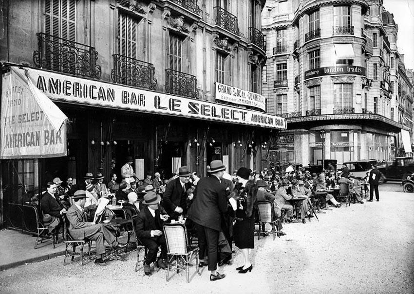 เมื่อฝันและหวังของคนหนุ่มต่อประชาธิปไตยยังคงเรืองรอง ตามรอยคาเฟ่ที่ชุมนุมของ ปรีดี พนมยงค์ จอมพล ป. พิบูลสงคราม และคณะราษฎรที่ฝรั่งเศส