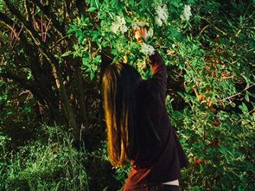 บทเรียนจากการจูงลูกไปเก็บผักในป่าที่อังกฤษ