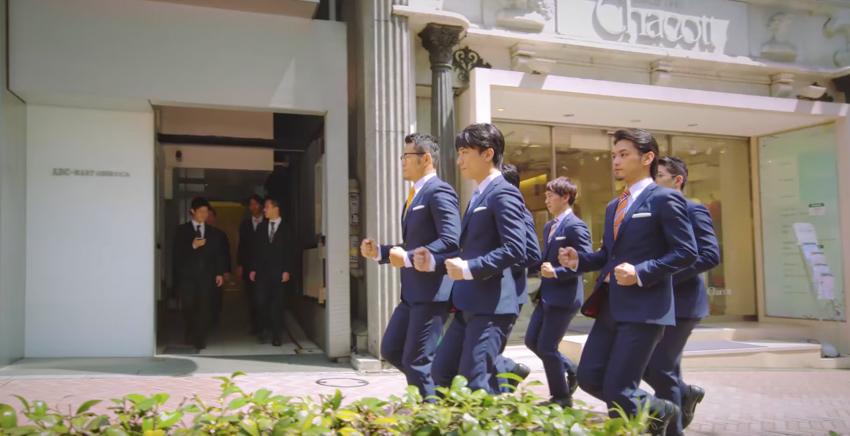เผชิญหน้า WORLD ORDER บอยแบนด์สวมชุดพนักงานเงินเดือนจากญี่ปุ่น