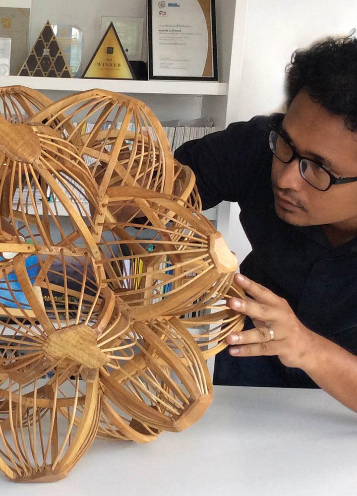 ศุภชัย แกล้วทนงค์ นักออกแบบผู้พาภูมิปัญญาท้องถิ่นภาคใต้ของไทยออกไปให้โลกรู้จัก