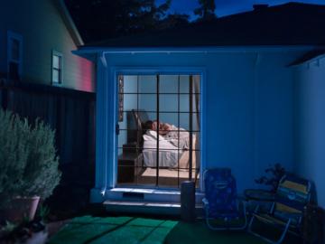 Night Wander เฝ้ามองครอบครัวอเมริกันในยามค่ำคืน