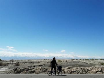 ประสบการณ์ขี่จักรยานท่องเที่ยวบนถนนที่สูงที่สุดในโลก