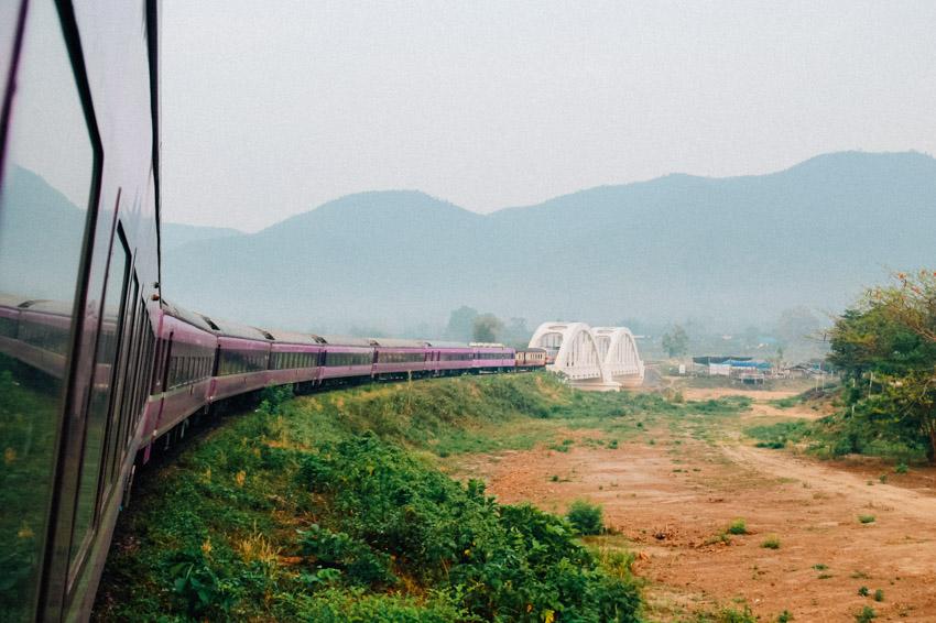 รถนอน JR-WEST