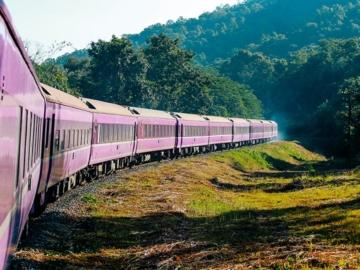 Blue Train รถไฟชื่อสีน้ำเงินขบวนสีม่วงจากญี่ปุ่นที่จะพาเราไปเชียงใหม่
