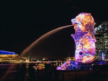 7 งานศิลปะเรืองแสงที่ทำให้อยากเดินเที่ยวสิงคโปร์ตอนกลางคืน