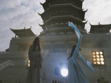 การแลกเปลี่ยนภาษา วัฒนธรรม ในกองถ่ายซีรีส์ที่ทำให้เต็งหนึ่งชักหลงรักประเทศจีน