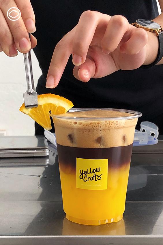 Yellow Crafts ร้านกาแฟที่ใช้นมถั่วเหลืองออร์แกนิกที่อร่อยที่สุดเป็นส่วนผสม