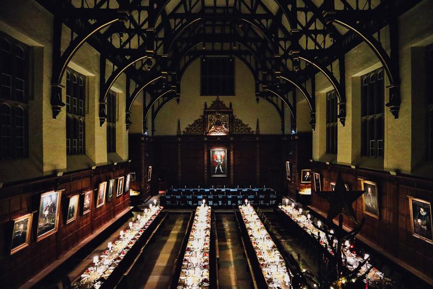 เบื้องหลังการกินเลี้ยงของมหา'ลัยเคมบริดจ์ ที่เป็นต้นแบบหนัง Harry Potter