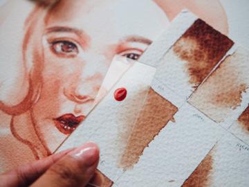 'Riety' ศิลปินสาวที่ใช้เลือดวาดจนเกิดเป็นนิทรรศการศิลปะชื่อ Vein/Vain