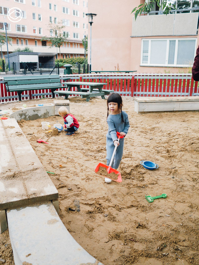 ชื่นใจ ภูมิรัตน, เด็ก, สนามเด็กเล่น, บ่อทราย, ต่างประเทศ, สตอกโฮล์ม, สวีเดน