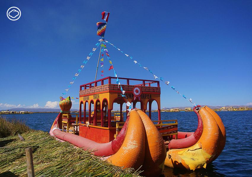 ชนเผ่าอูรอส, ทะเลสาบติติกากา,เกาะลอยน้ำ เปรู