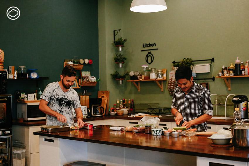 หอม โฮสเทล แอนด์ คุกกิ้ง คลับ, โฮลเทล สุขุมวิท , Hom Hostel & Cooking Club