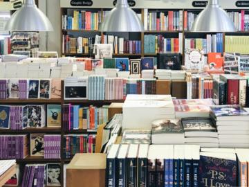 ชวน 3 ร้านหนังสืออิสระมาวางแผนการใช้เงิน 15,000 บาท ช้อปหนังสือช่วยชาติ