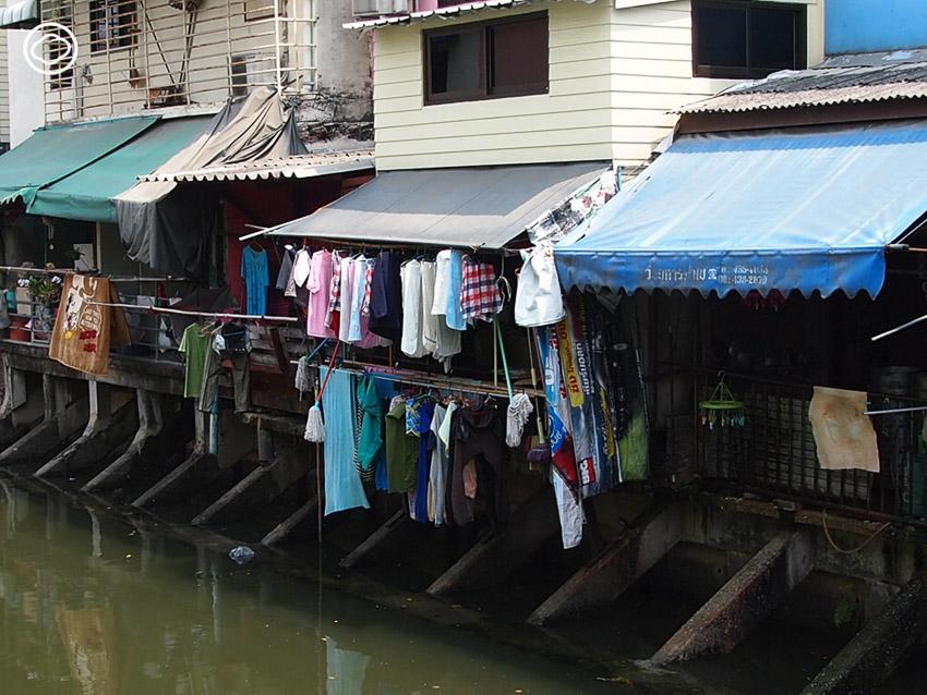 ราวตากผ้า อุปกรณ์แก้ปัญหาการใช้สอยพื้นที่บ้านเมืองร้อนที่เคยเป็นวาระแห่งชาติสิงคโปร์