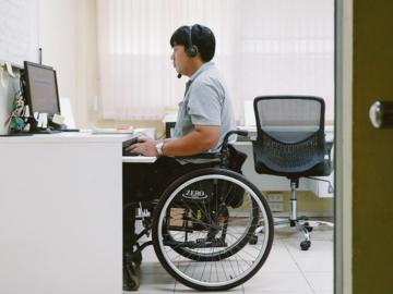 โปรเจกต์สร้าง Call Center ทีมงานผู้พิการล้วน ที่เปลี่ยนชีวิตผู้พิการให้เป็น 'พนักงานคนหนึ่ง'