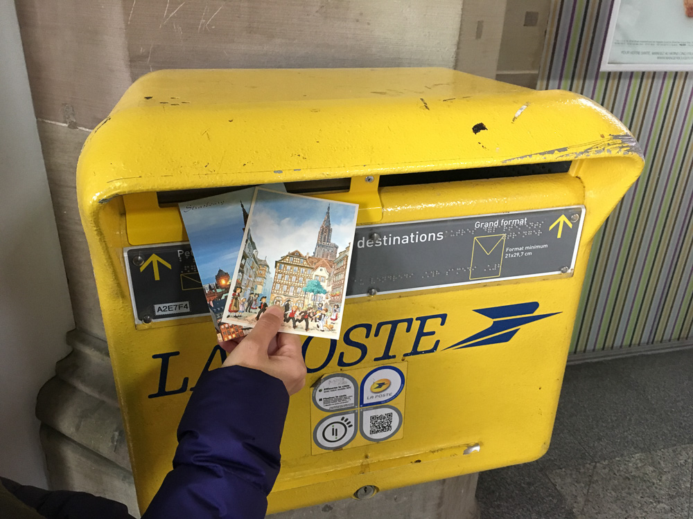 โปสการ์ด, ตู้ไปรษณีย์