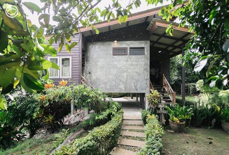 ติดดินติดน้ำ บ้านพักไม้ริมแม่น้ำจันทบุรี