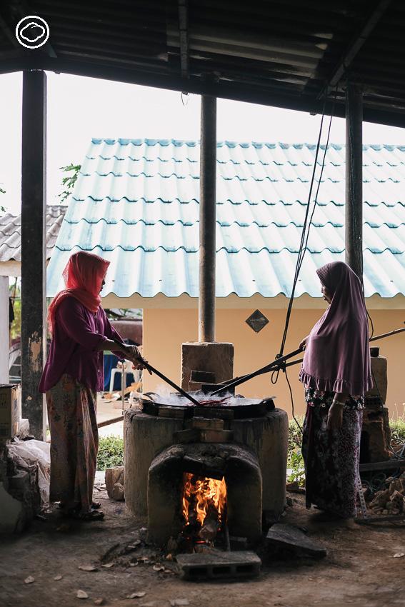 ดุหุนสามัคคี : 40 แม่บ้านมุสลิม จากตรังที่สร้างรายได้จาก เตยปาหนัน ราคา 0 บาท