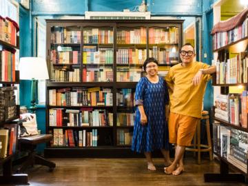 World at The Corner ร้านหนังสือตามฝันในเรือนไม้โบราณของสองพี่น้องผู้หลงรักการผจญภัย