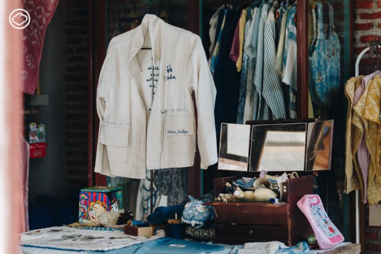 Kamol Indigo แบรนด์เสื้อผ้าย้อมสีธรรมชาติที่เก็บวัตถุดิบและแรงบันดาลใจจากเมืองแพร่