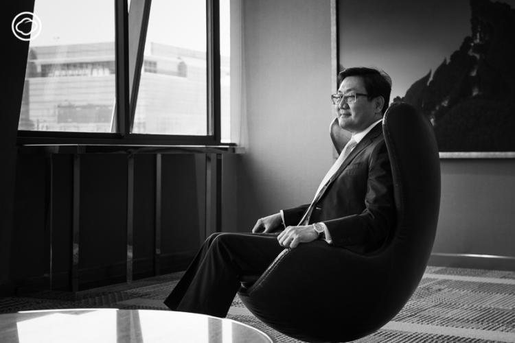 คุณภากร ปีตธวัชชัย กรรมการและผู้จัดการตลาดหลักทรัพย์แห่งประเทศไทยคนล่าสุด