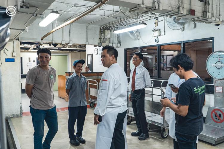 Thai SOS มูลนิธิที่เปลี่ยนอาหารเหลือทิ้งจากห้างร้านเป็นมื้ออาหารผู้ด้อยโอกาสและปุ๋ยชั้นดีแก่เกษตรกร