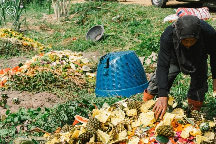 ความตั้งใจของ 'กลุ่มรักษ์อาหาร' คนกลุ่มเล็กๆ ที่ชุบชีวิตให้อาหารไม่กลายเป็นขยะอย่างสูญเปล่า เพื่อแก้ปัญหาปากท้องและปัญหาคุณภาพดิน