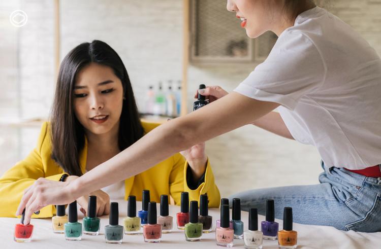 CHADA แบรนด์ไทยที่ถ่ายทอดความงามสีไทยๆ กว่า 80 สี ในรูปแบบยาทาเล็บราคาเพียง 79 บาท