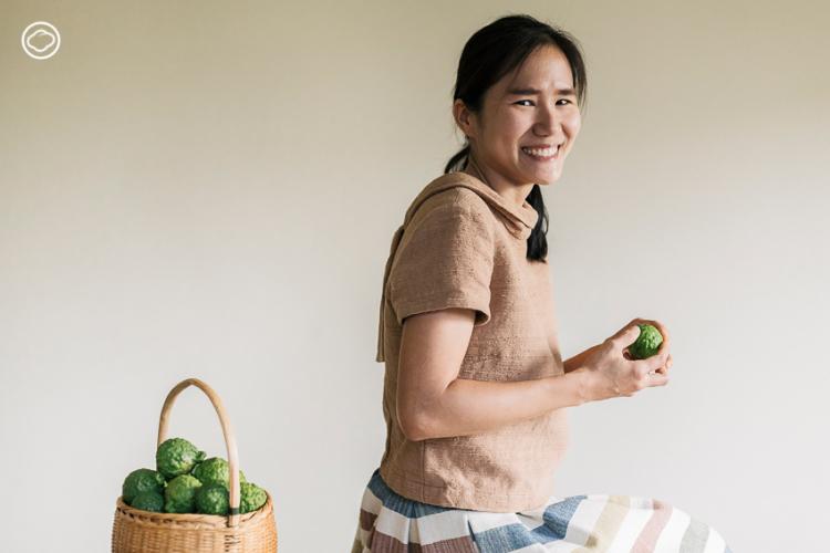 อาจารย์นุ่น หรือ ดร.ชมพูนุท วรากุลวิทย์ เจ้าของเพจ นักเคมีหัวใจสีเขียว