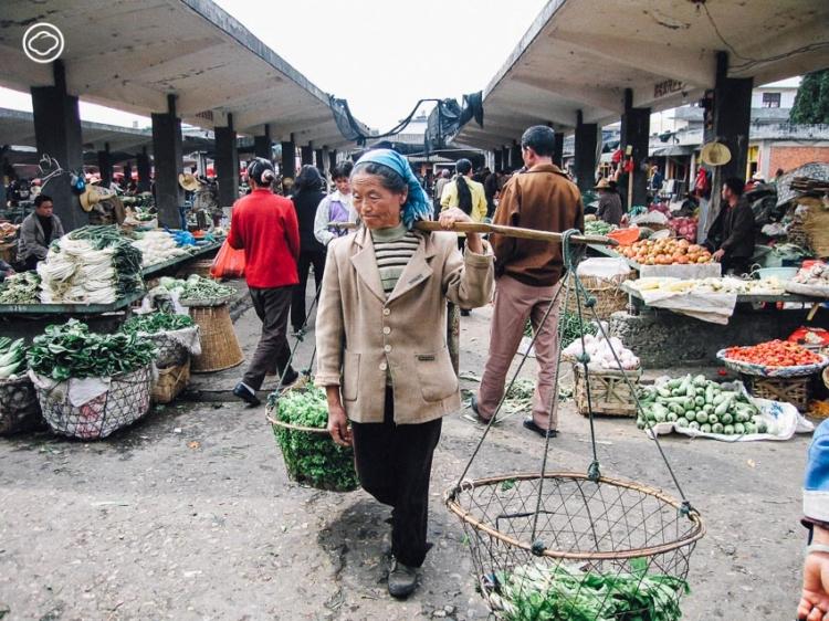 เข้าตลาดสดต้าลี่ กินขนมจีนข้ามสะพาน ลิ้มรสแฮมยูนนาน เป็ดทอดกรอบ ที่ มณฑลยูนนาน 40 ปีก่อน
