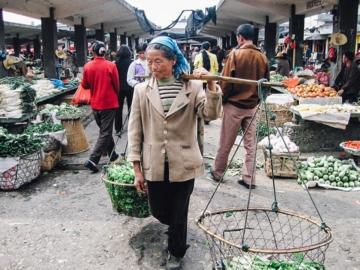 เข้าตลาดสดต้าลี่ กินขนมจีนข้ามสะพาน ลิ้มรสแฮมยูนนาน เป็ดทอดกรอบ ที่มณฑลยูนนาน 30 ปีก่อน