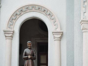 ลัดเลาะเข้าตรอกไปโบสถ์คอนเซ็ปชัญ วิหารในชุมชนโบราณที่อายุเก่าแก่กว่ากรุงเทพมหานคร