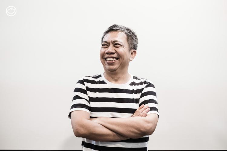 สยาม อัตตะริยะ กราฟิกดีไซเนอร์อันดับที่ 69 ของโลกชาวไทยผู้คิดงานออกแบบด้วยอารมณ์ขัน