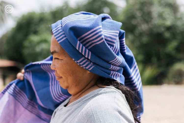ระนอง กองแสน ผู้นำแม่หญิง บ้านนาหนองบง ที่ลุกขึ้นสู้กับเหมืองทองเพื่อบ้านเกิดด้วยการทอผ้า