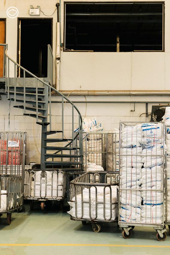 ทายาทรุ่นสามร้านซักแห้งแรกของไทย ซินไฉฮั้ว ผู้ต่อยอดธุรกิจ 85 ปีจนล้ำกว่าการทำความสะอาด