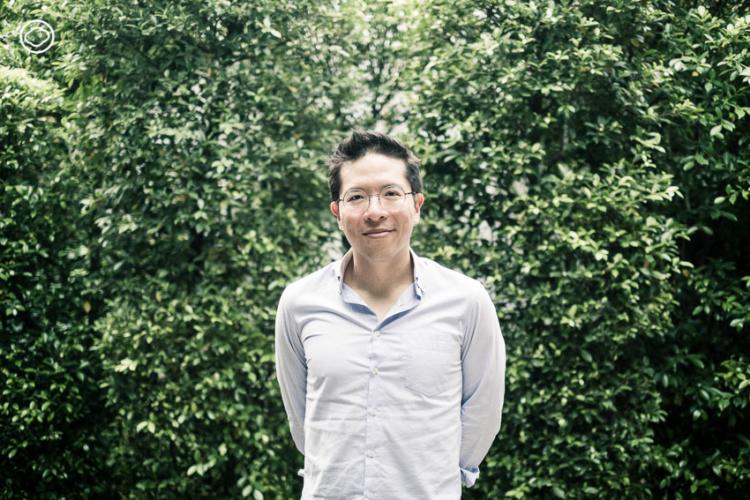 รวิศ หาญอุตสาหะ CEO ศรีจันทร์ ไอดอลคนทำธุรกิจผู้สร้างแรงกระเพื่อมให้วงการเครื่องสำอางไทย