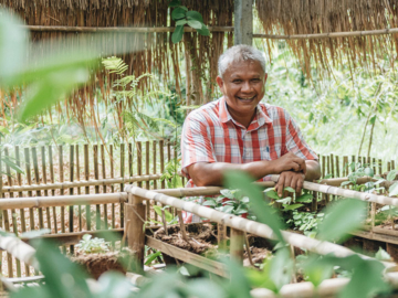 นพพร นนทภา นักวิทยาศาสตร์ผู้ปลูกต้นไม้ในใจคนด้วยการสร้างชุมชนนักปลูกต้นไม้ออนไลน์ 24 ชม.