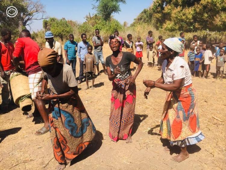 เอาชนะใจชาวมาลาวี แอฟริกา ที่กลัวเสีย 'ขวัญ' จากการถูกถ่ายรูป