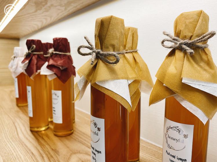 คาเฟ่น้ำผึ้งที่ตั้งใจใช้น้ำผึ้งเป็นยาผ่านเครื่องดื่มและขนมรสอร่อย