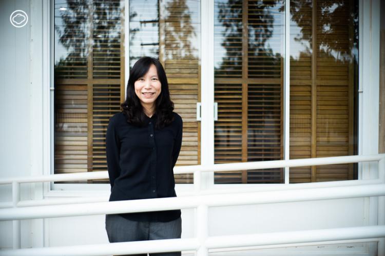 อาจารย์ชู-รศ.ดร. ชูจิต ตรีรัตนพันธ์ รองคณบดีฝ่ายวิจัย คณะสถาปัตยกรรมและการออกแบบ มหาวิทยาลัยเทคโนโลยีพระจอมเกล้าธนบุรี