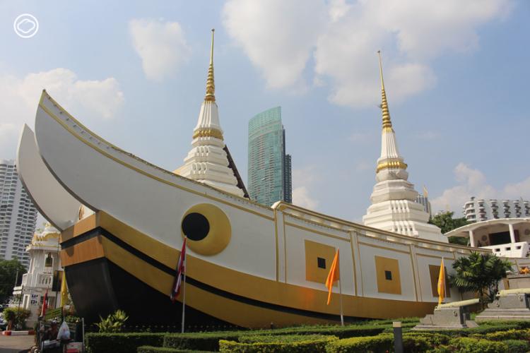 วัดยานนาวา วัดที่มีกระทงเป็นจิตรกรรมประดับบานประตูหน้าต่างพระอุโบสถและมีเจดีย์เป็นเรือสำเภา