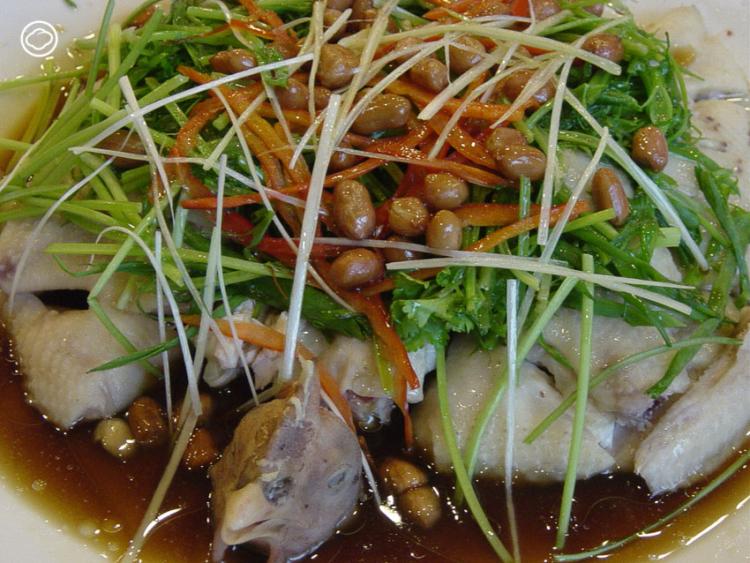 ข้าวมันไก่ตอน อาหารประจำชาติพันธุ์ชาวเกาะไหหลำ ของติดตัวครั้งอพยพที่ถูกใจคนไทยมานาน