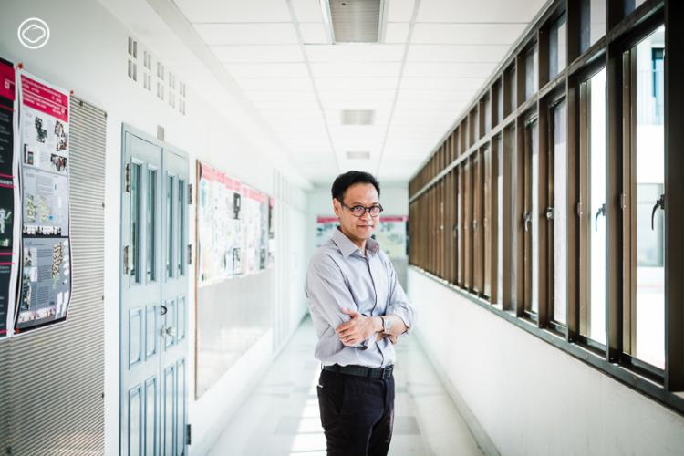 รองศาสตราจารย์ ดร.พนิต ภู่จินดา หัวหน้าภาควิชาการวางแผนภาคและเมือง คณะสถาปัตยกรรมศาสตร์ จุฬาลงกรณ์มหาวิทยาลัย