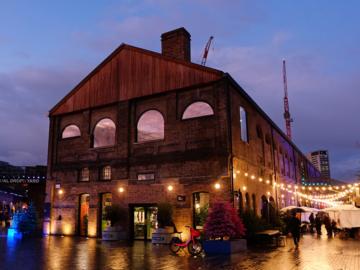 Coal Drops Yard จากโกดังถ่านหินโบราณ สู่หน้าที่พื้นที่สร้างสรรค์แห่งใหม่ใจกลางลอนดอน