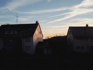 ภาพสีสวยของท้องฟ้าเยอรมนีโดยนักสังเกตท้องฟ้า ที่คอยบอกว่า ชีวิตยังมีพรุ่งนี้เสมอ