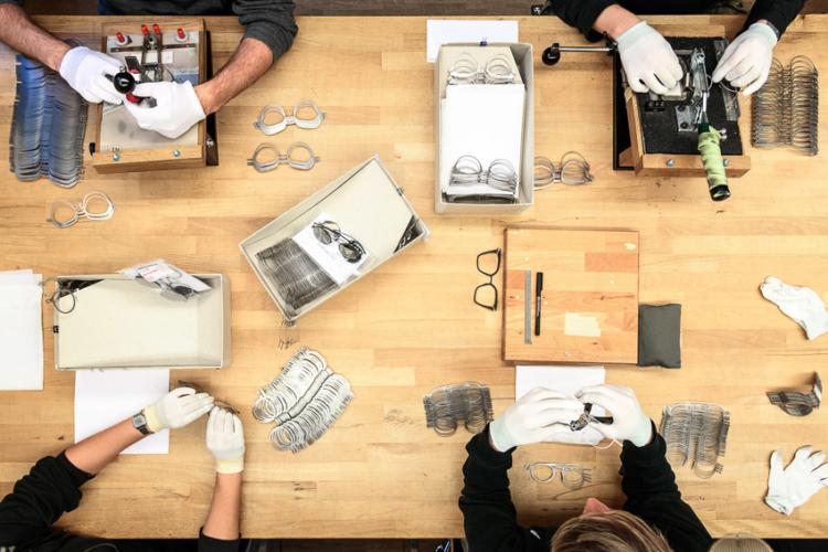 15 เรื่องเบื้องหลัง MYKITA แบรนด์แว่นตาจากเบอร์ลินที่เก่งออกแบบโครงสร้างล้ำๆ