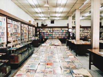10 ร้านหนังสือในเมืองเก่าที่ทำให้เข้าใจเสน่ห์หนังสือกระดาษ