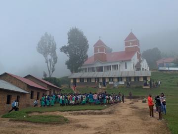 บันทึกฝึกงานของเด็ก ป.โท ผู้ไปศึกษาระบบสาธารณะสุขและวิจัย HIV ที่ รพ. บนภูเขาประเทศยูกันดา