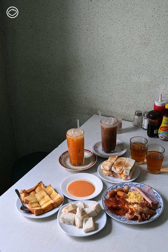 16 เมนูพิเศษที่ต้องกินในเกาะรัตนโกสินทร์ ชุดอาหารเช้า ร้านออน ล๊อก หยุ่น