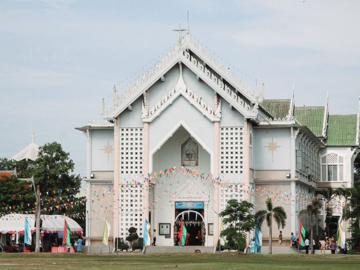 โบสถ์คริสต์ทรงไทย ผลพวงจากการสร้างความเป็นไทยในยุคหลังสงคราม